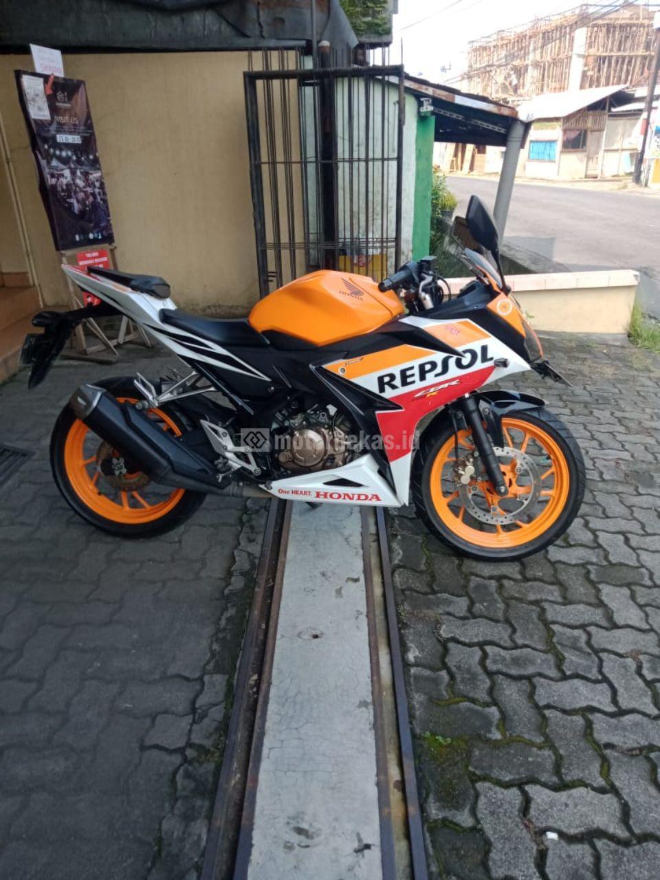 HONDA CBR 150R REPSOL 755 motorbekas.id