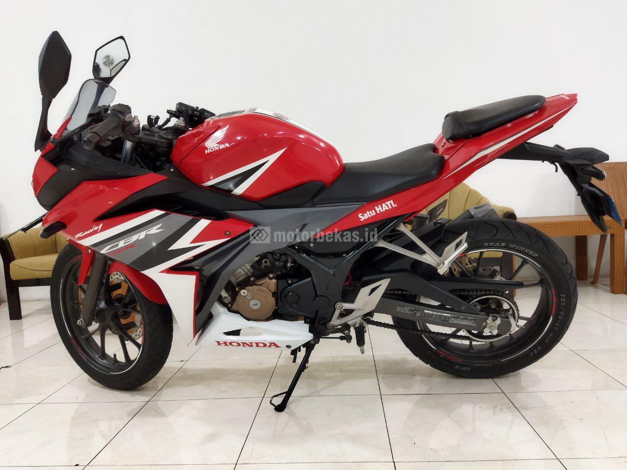 HONDA CBR 150R ABS 915 motorbekas.id