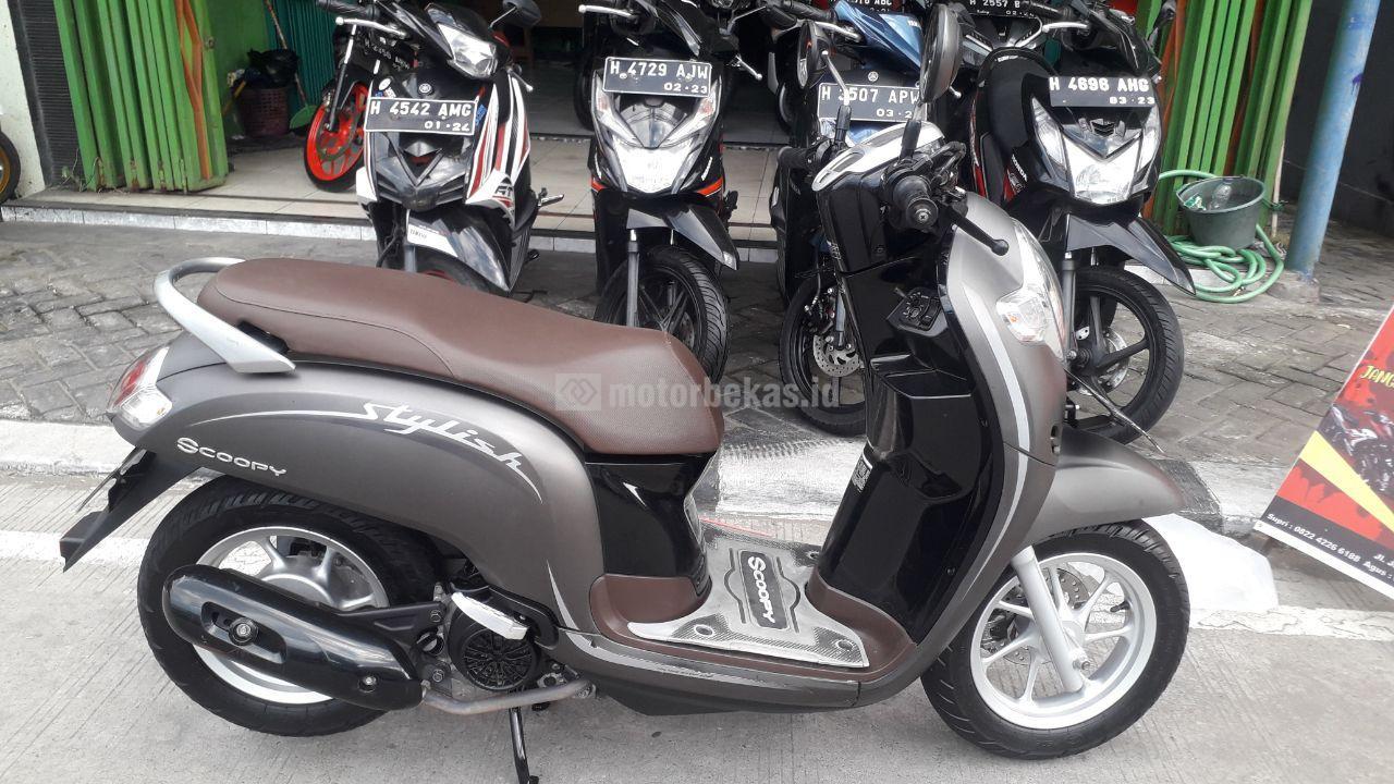 HONDA SCOOPY STYLISH 1018 motorbekas.id