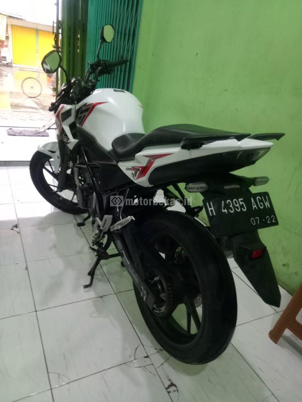 HONDA CB 150R  1106 motorbekas.id