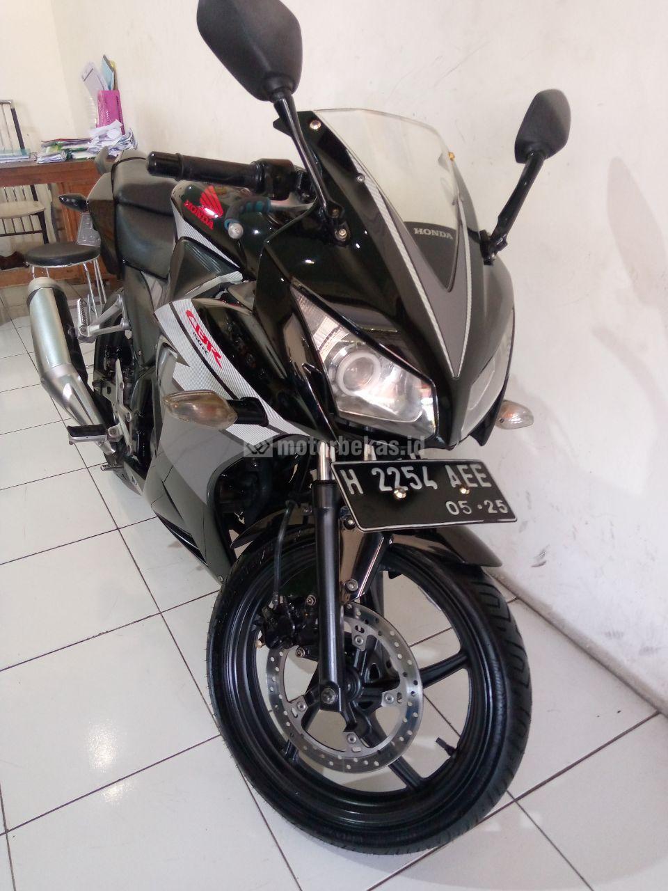 HONDA CBR 150  1002 motorbekas.id
