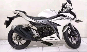 HONDA CBR 150R Image