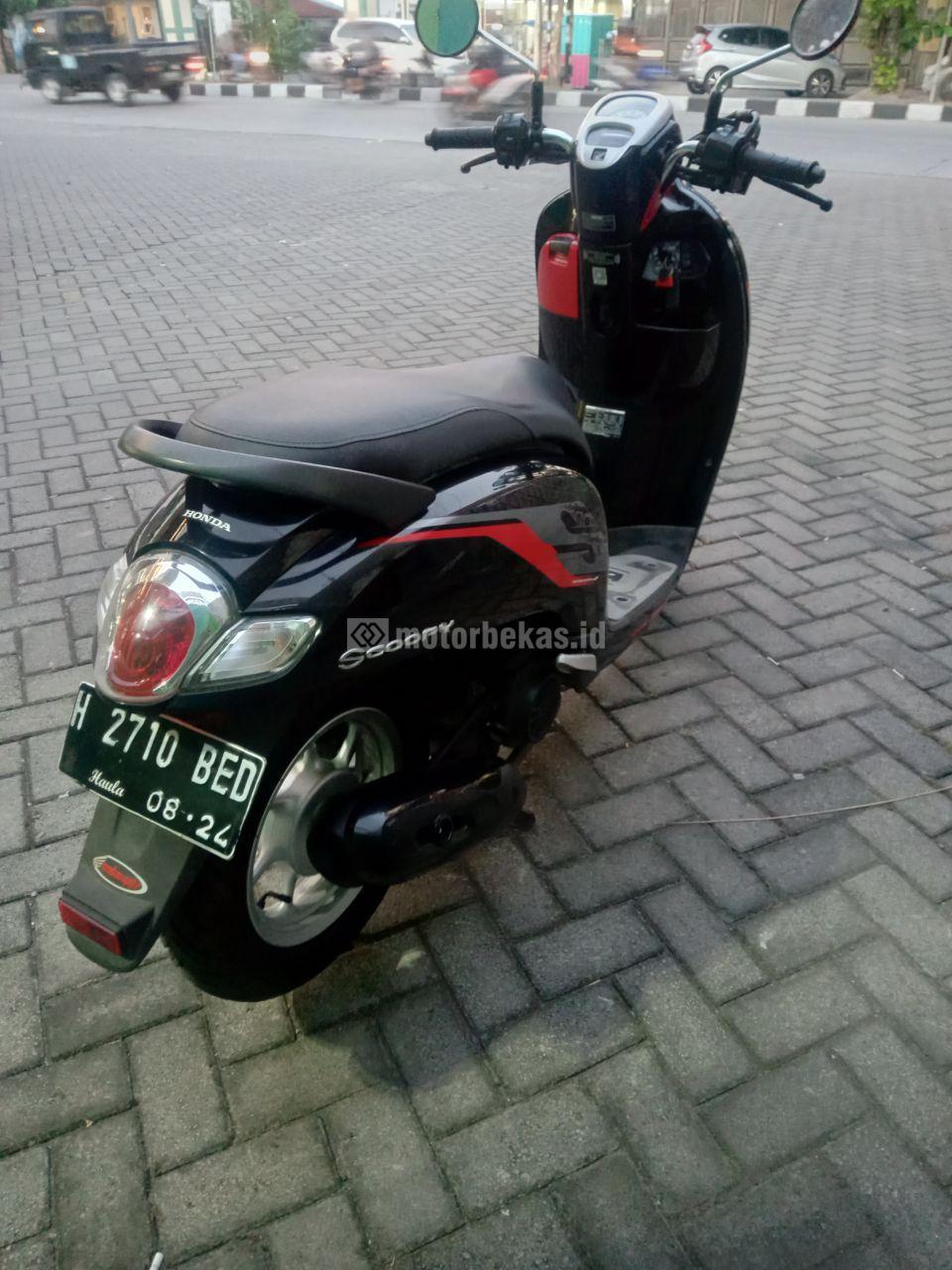 HONDA SCOOPY FI 2204 motorbekas.id