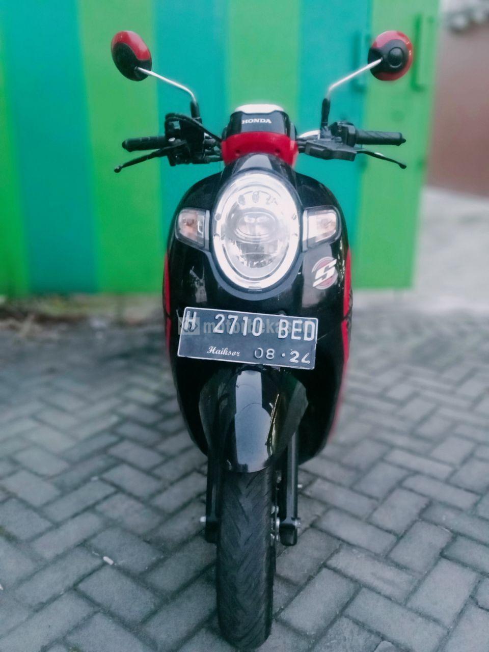 HONDA SCOOPY FI 2201 motorbekas.id