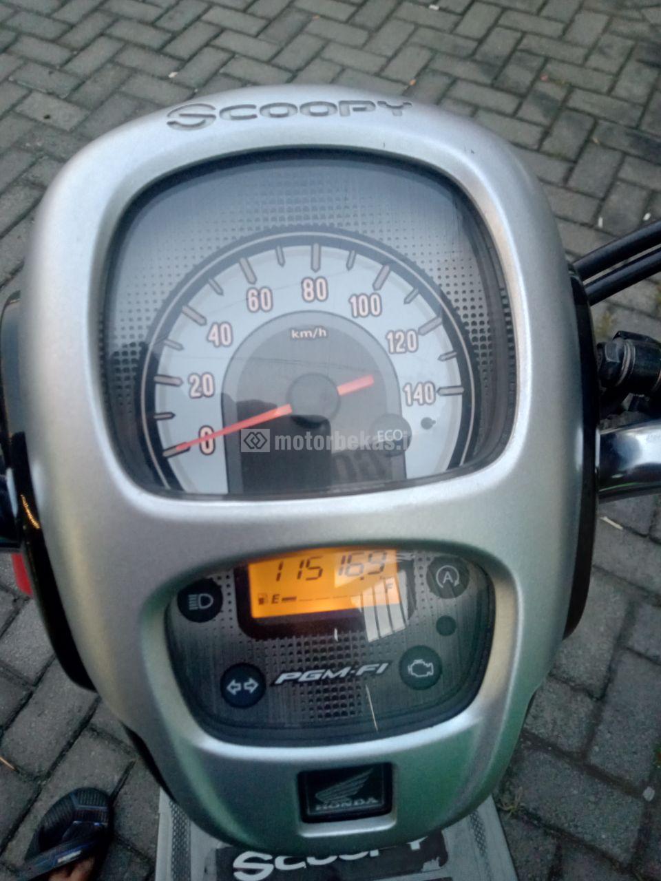 HONDA SCOOPY FI 2203 motorbekas.id