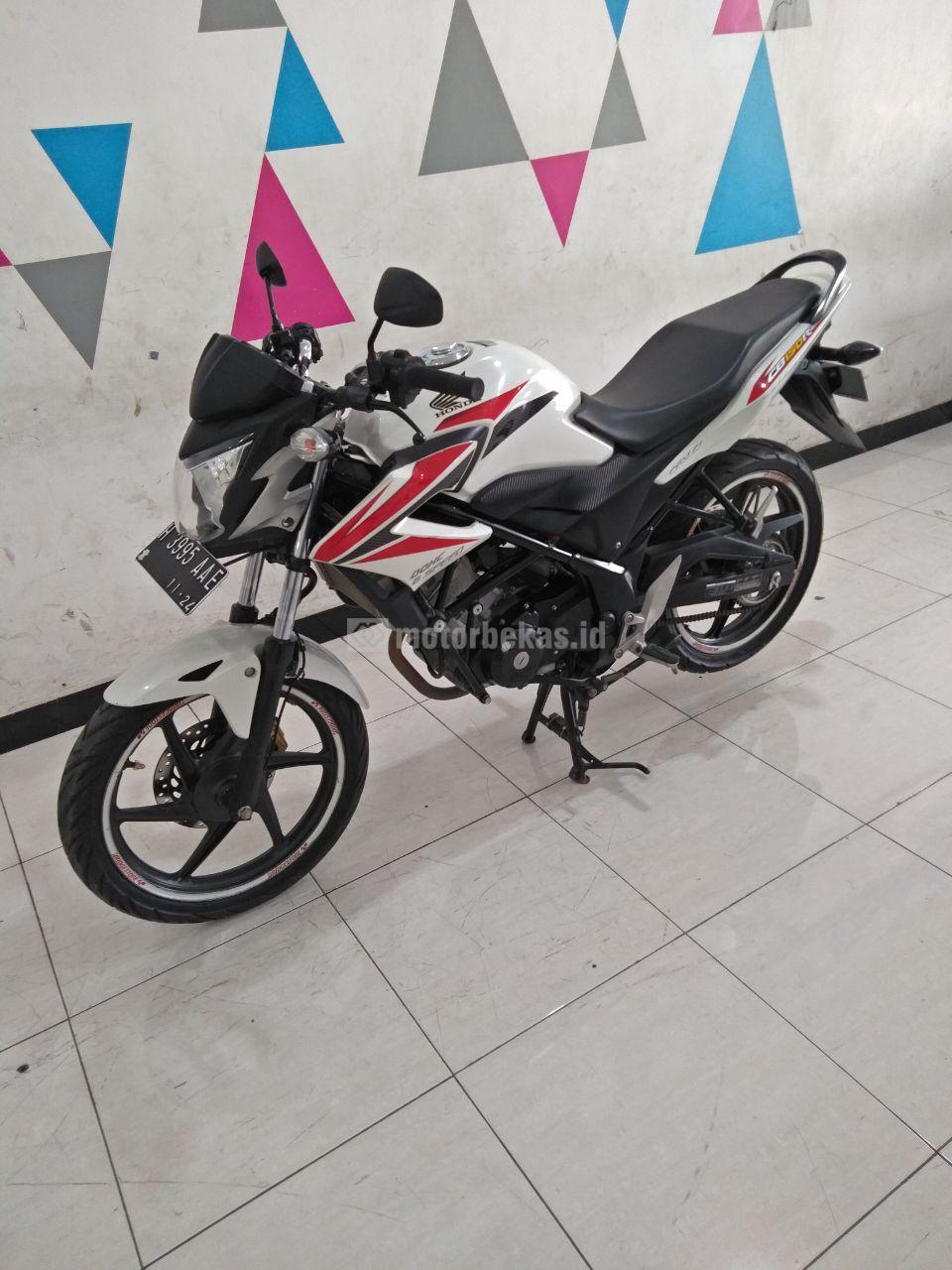 HONDA CB 150R  3009 motorbekas.id