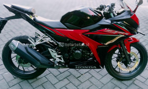 HONDA CBR 150R FI Image