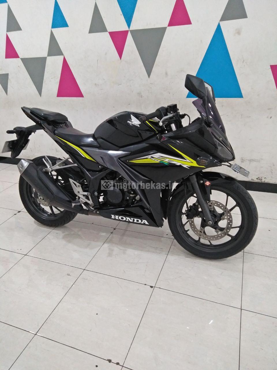 HONDA CBR 150R  3853 motorbekas.id