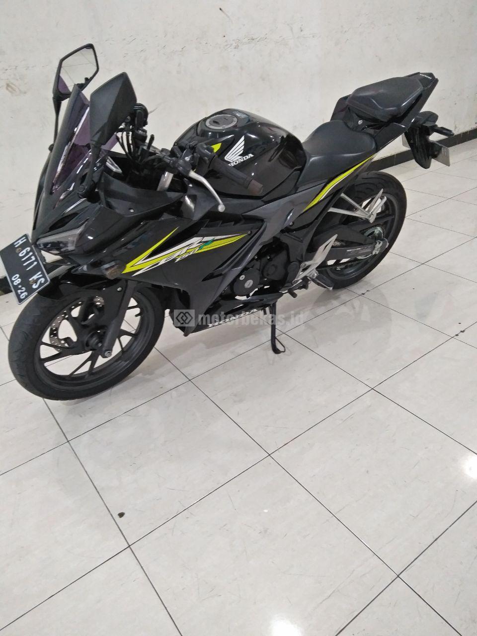 HONDA CBR 150R  3856 motorbekas.id