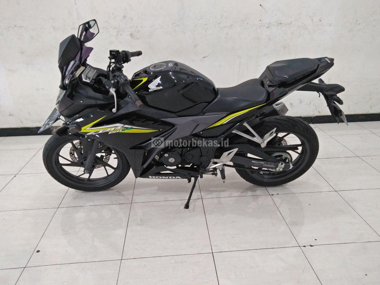 HONDA CBR 150R  3854 motorbekas.id
