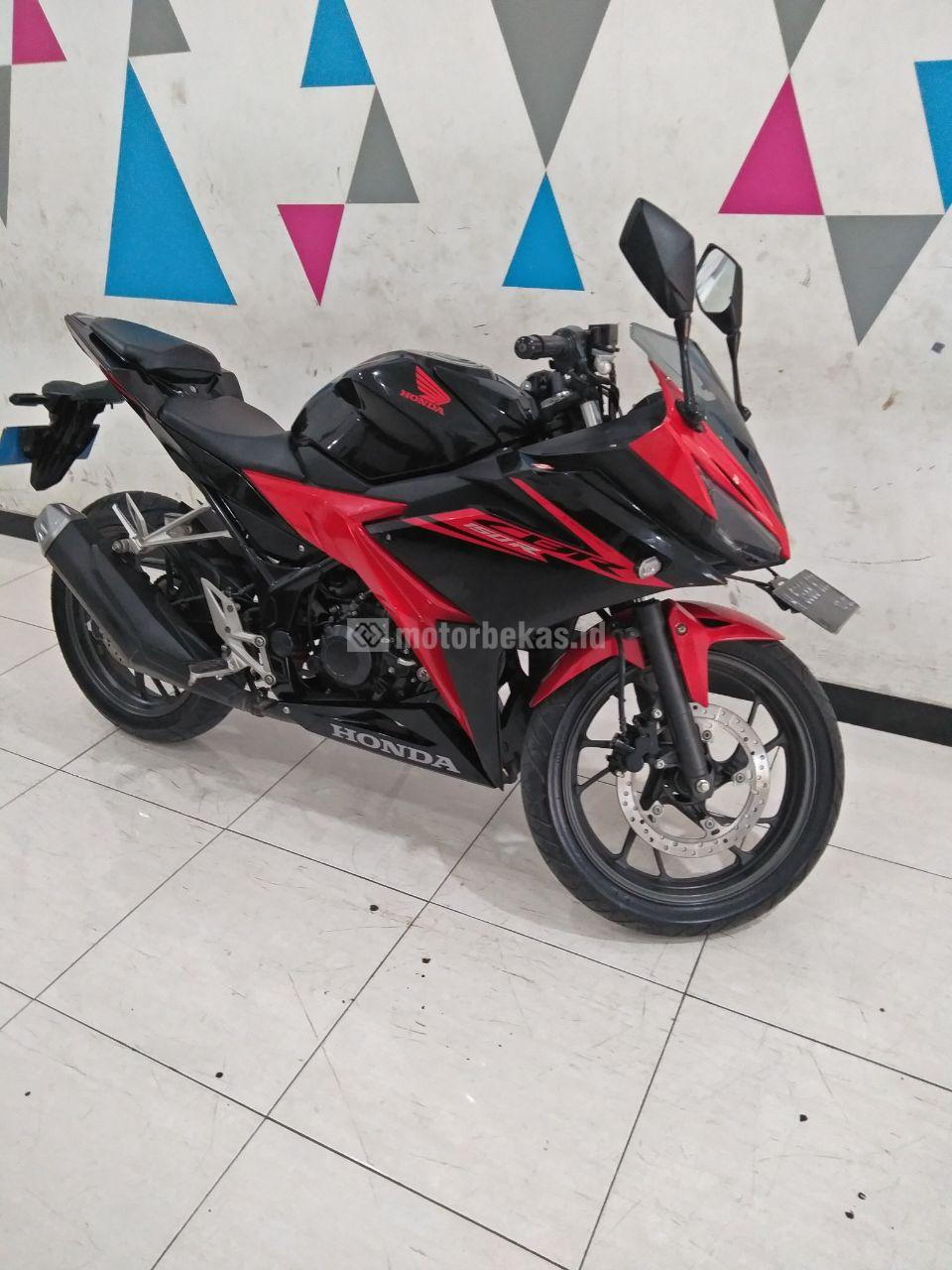 HONDA CBR 150R  4058 motorbekas.id