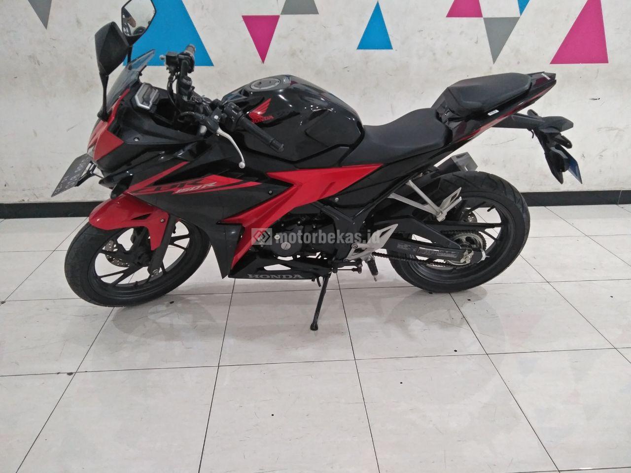 HONDA CBR 150R  4060 motorbekas.id