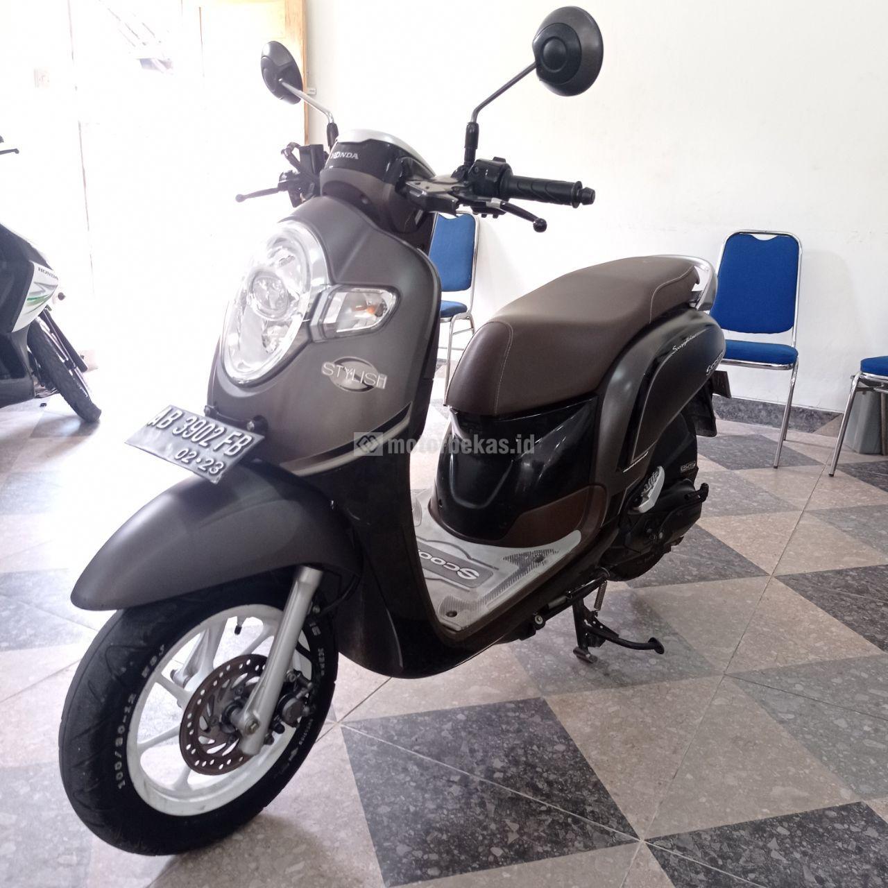 HONDA SCOOPY STYLISH 2018 motorbekas.id